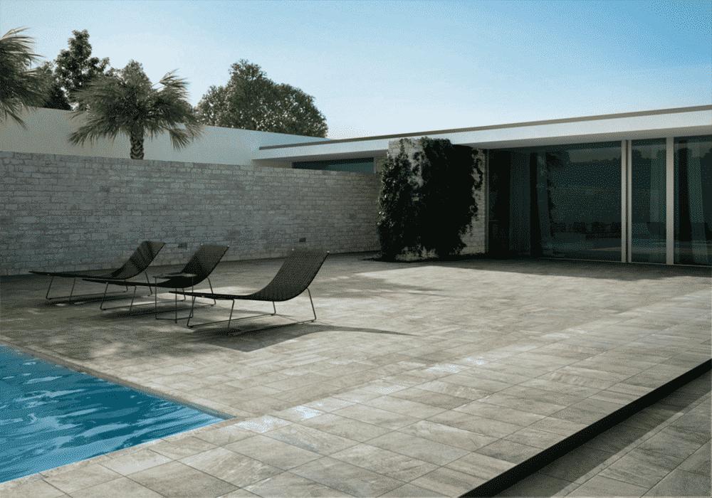 Carrelage pour terrasse et contour piscine a proximite de for Carrelage adhesif salle de bain avec balisage led exterieur